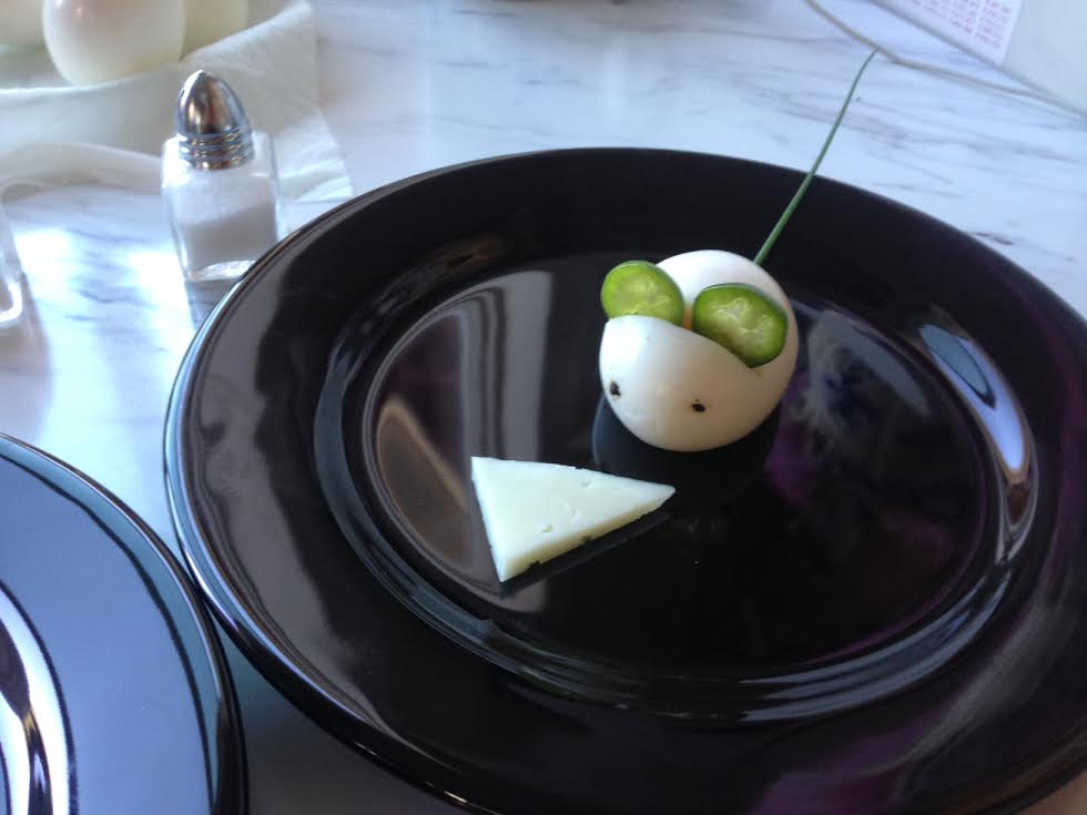 Egg Mouse with Manchego Cheese
